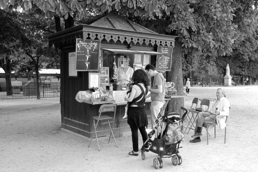 Kiosk in the park of Palais du Luxembourg - Paris - July 2011