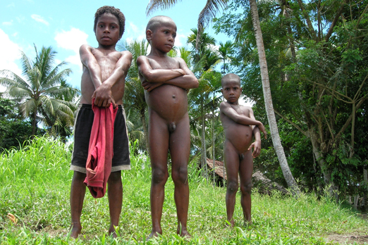 Native children at the Korewori river - East Sepik Province - PNG 2007
