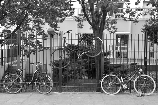 Impression of bicycle parking - Paris - July 2011