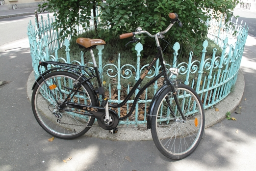 Bicycle parking - Paris - July 2011
