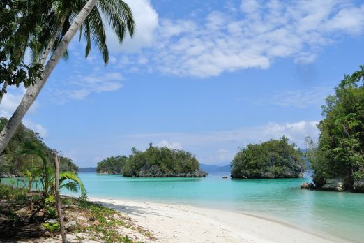 Unspoiled beach - Pulau Aiduma - Triton Bay - West-Papua - Indonesia 2015