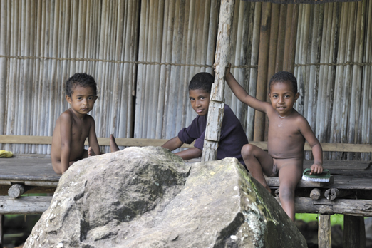 Children - Tufi village - Oro Province - PNG 2009