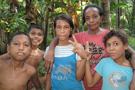 Warm welcome in a small village - Pantar - Alor-Archipelago - Indonesia 2010